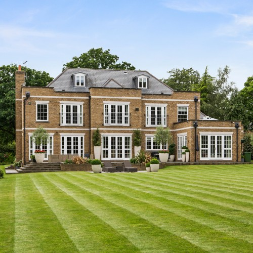 Property of the Day: Southgate House, Surrey