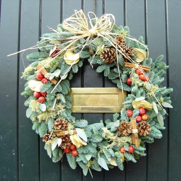 create your own christmas wreath