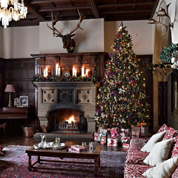 Christmas in the countryside town country magazine uk for Country homes and interiors christmas