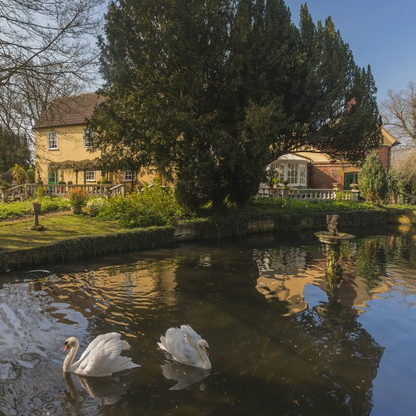 Property Of The Day Moor Hall Sudbury Suffolk Town Country Magazine Uk