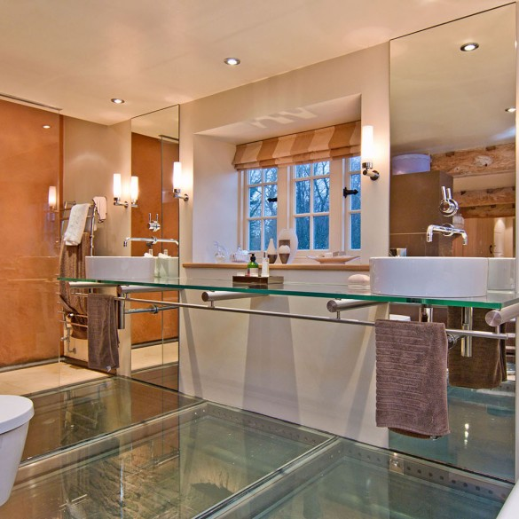 Bathroom design ideas homes for sale uk town country for Bathroom design oxfordshire