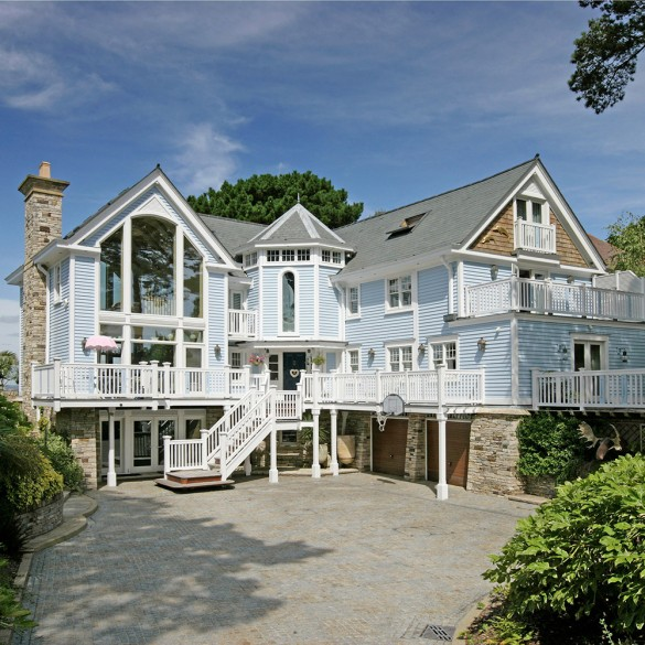 Homes for sale by the sea uk the best british beach for Six bedroom house for sale