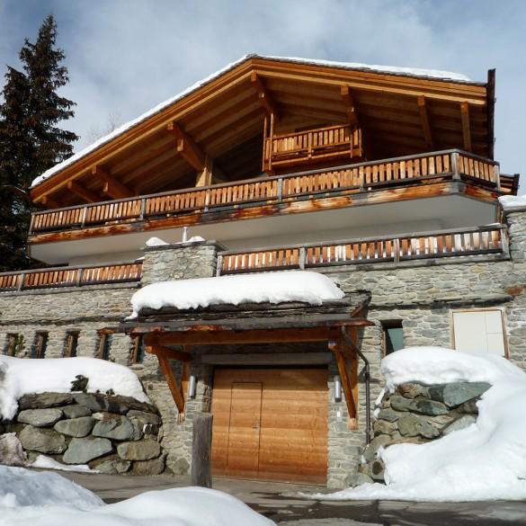 Ski chalets for sale france switzerland les gets for Swiss chalets for sale