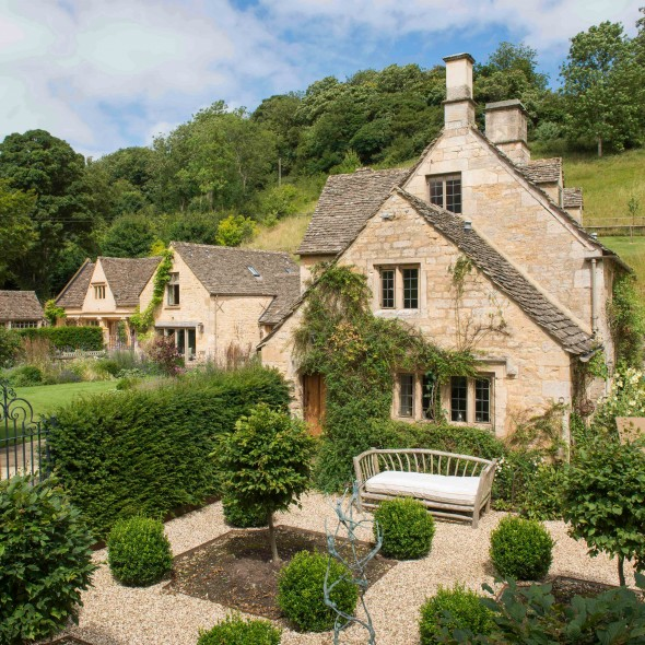 property of the day willowbrook house gloucestershire town